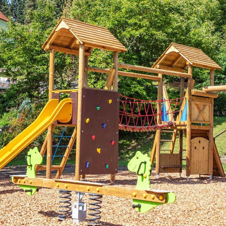Installation Spielplatz Proleb