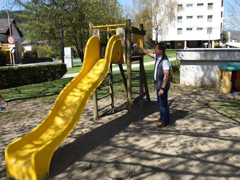 Spielplatz-Inspektion in St. Veit